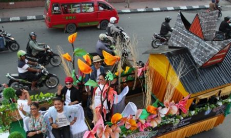 Hari ini Puluhan Artis Ibu Kota Pawai di Manado